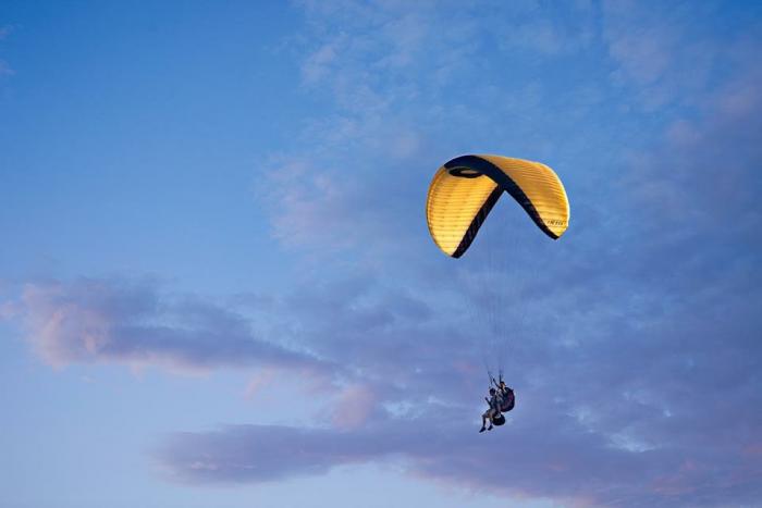 Chicago Paragliding, Photo credit Jaro Krupa