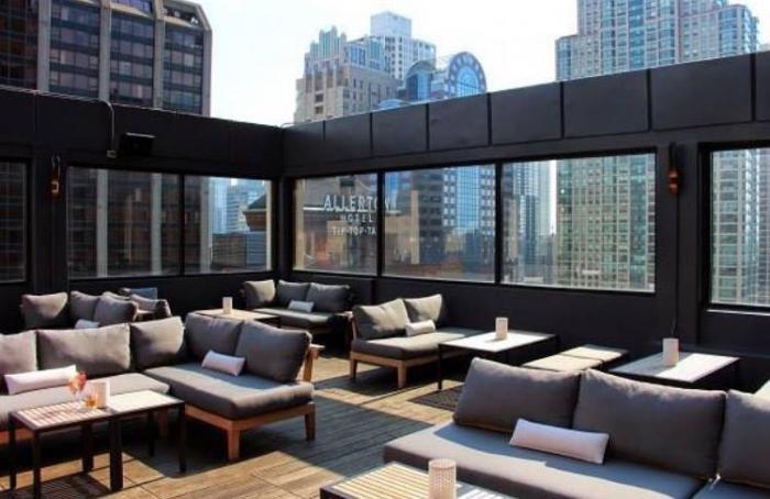 52Eighty Rooftop Lounge