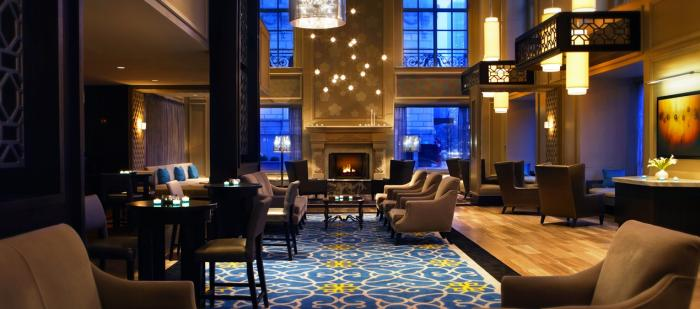 Hilton Chicago Lounge