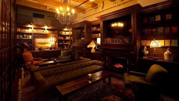 Chicago's Coziest Bars with Fireplaces 3