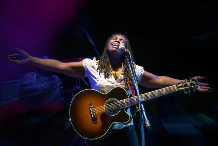 Ruthie Foster, photo by Riccardo Piccirillo