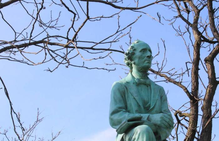 Hans Christian Andersen longing for the Patio's Buttermilk Sanwich