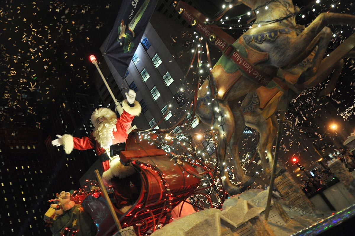 Santa at the Magnificent Mile Lights Festival