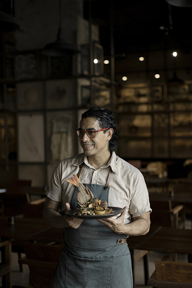 Chef Carlos Gaytan returns to Chicago with Tzuco 1