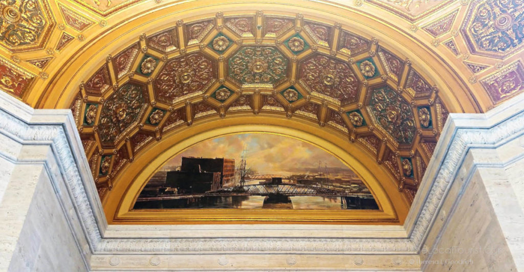 Mural in entrance to LondonHouse