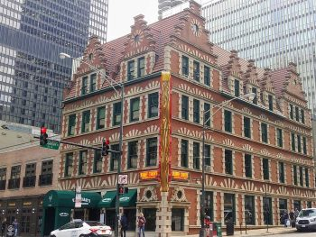 Harry Caray's Italian Steakhouse, located in the former Chicago Varnish Company building, designed by Henry Ives Cobb