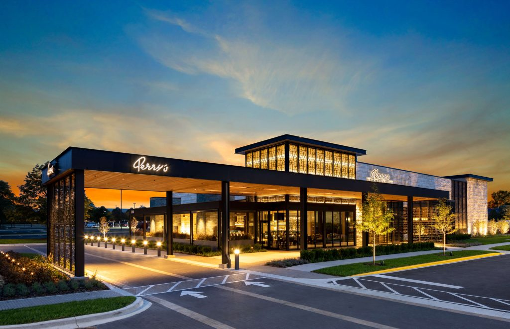 Exterior of Perry's Steakhouse and Grille in Schaumburg, IL