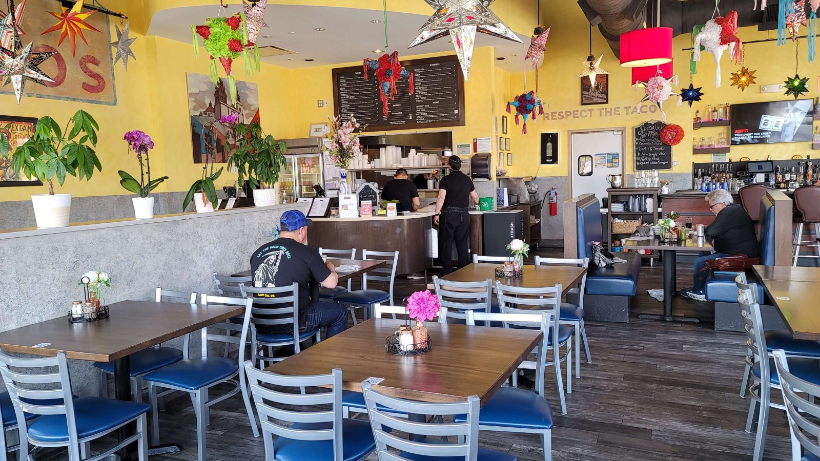 Tacos Guanajuato dining room