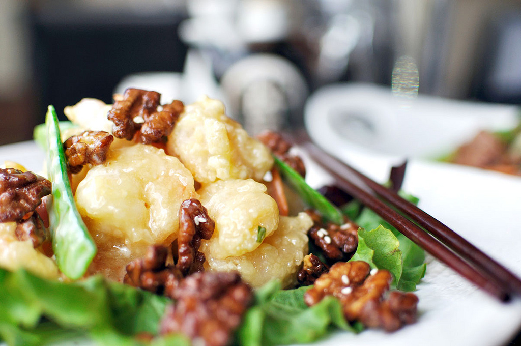Koi inspires diners with fresh sushi and authentic cuisine from 8 Chinese regions 4